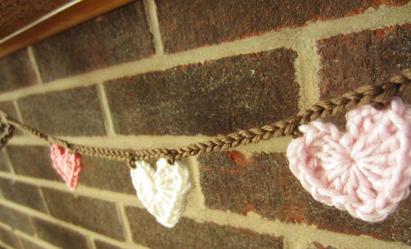 Crochet Garland Valentine