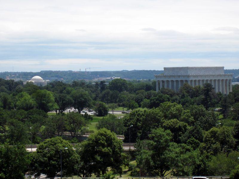 Lincoln-jefferson-memorial