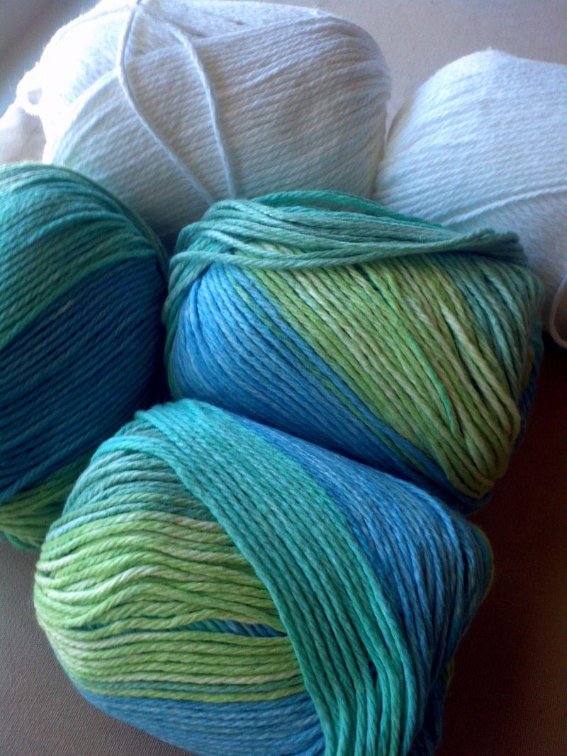Cotton-yarn-for-crochet-kitchen-rug