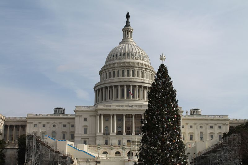 Capitol-on-christmas-day
