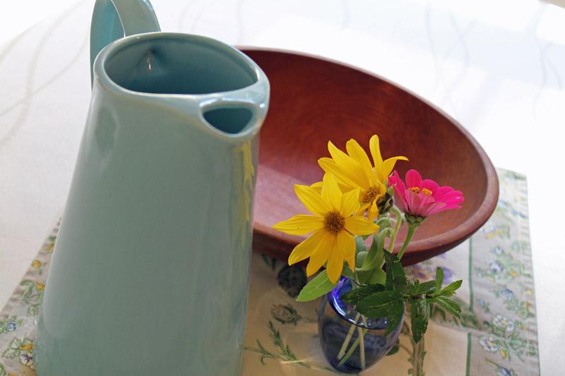 September-table-munising-bowl